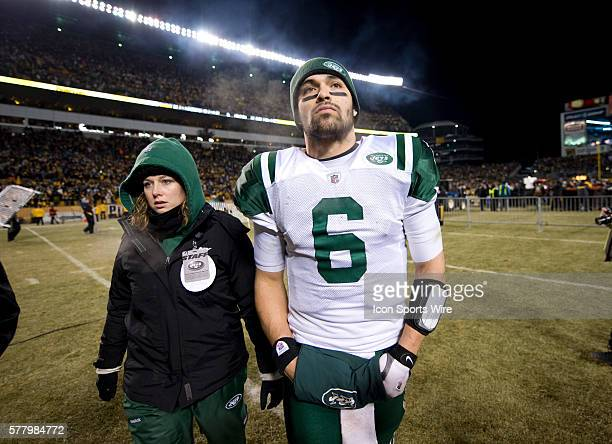 NY Jets vs Pittsburg Steelers AFC Championship game at Heinz Field Pittsburg Pa Jets loose to the Steelers 2419 Mark Sanchez walks off the field...