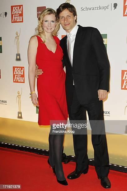 Jette Joop Mit Ehemann Christian Elsen Bei Der Verleihung Der Goldenen Bild Der Frau In Der Axel Springer Passage In Berlin