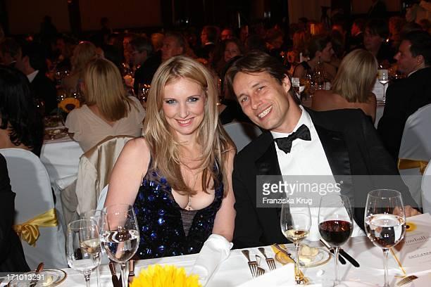 Jette Joop Und Ehemann Christian Elsen Beim Dkms Life Dreamball 2009 Im Hotel Ritz Carlton In Berlin