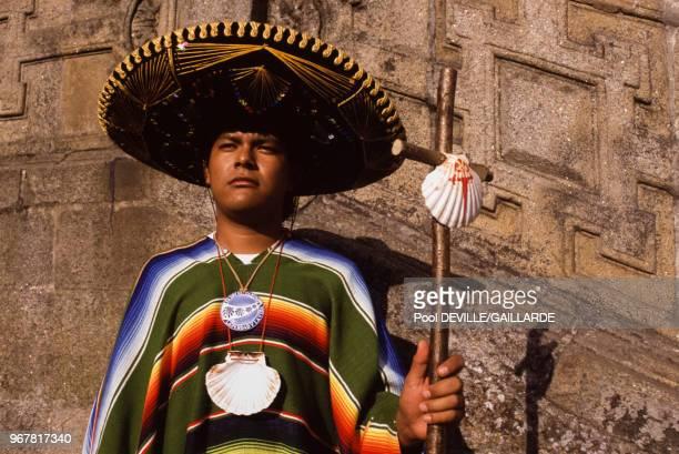 Jeune catholique lors de la visite de JeanPaul II à SaintJacquesdeCompostelle le 21 août 1989 Espagne