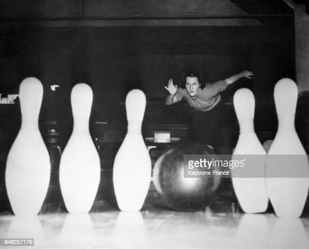 Boule Bowling Stock Photos and Pictures | Getty Images