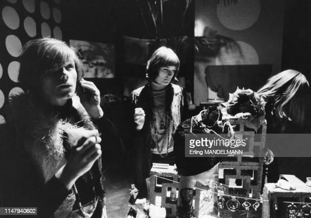 Jeunes dans la salle de concert Paradiso à Amsterdam, dans les années 1980, Pays-Bas.