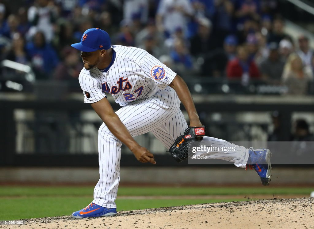 Jeurys Familia #27 of the New York Mets pitches against the Milwaukee Brewers during their game at Citi Field on April 13, 2018 in New York City.