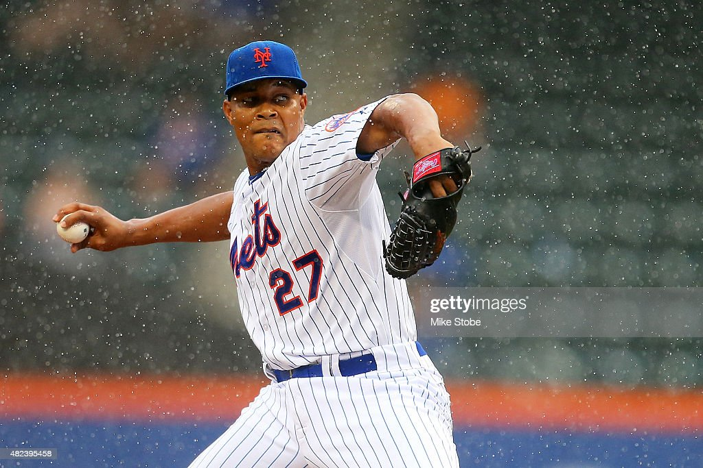 Jeurys Familia #27 of the New York Mets pitches in the ninth inning against the San Diego Padres at Citi Field on July 30, 2015 in Flushing neighborhood of the Queens borough of New York City.