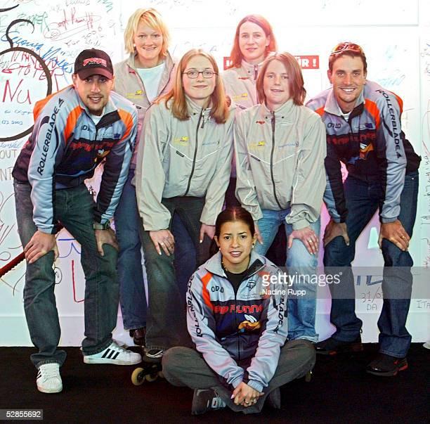 Jever Blade Challenge 2003, Hamburg; Pressekonferenz/Autogrammstunde; v.l.n.r.: Kalon DOBBIN, Maike TODE, Mirja de VRIES, Colette BECKER, Alexandra...