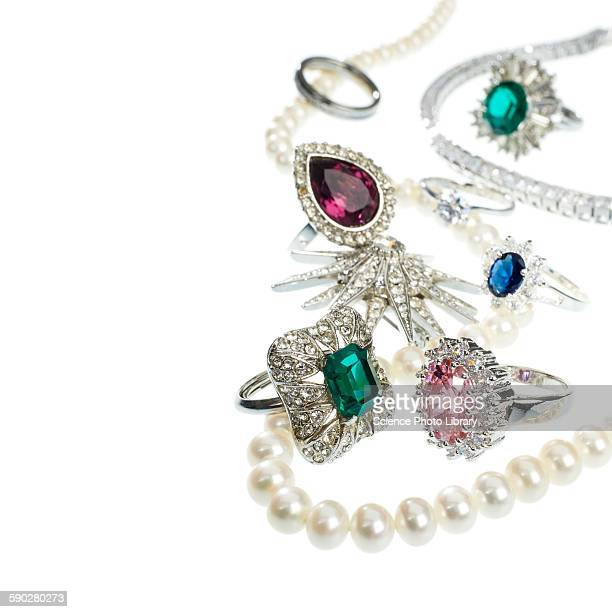 jewellery with gemstones and diamonds - pearl necklace stock pictures, royalty-free photos & images