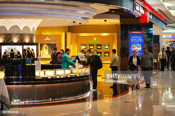Jewelry duty free stores in airport Dubai