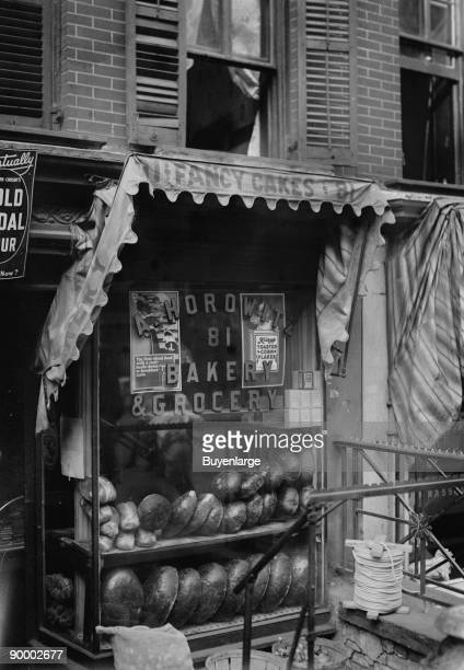 Jewish Bakery Horowitz on Lower East Side of New York advertises Fancy Cakes on Its awning and have both Rye Bread and Pumpernickel in the Window