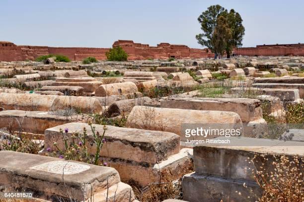 """jewish cemetery """"cimetière de bab ghmat"""" in marrakesh - judiskt museum bildbanksfoton och bilder"""
