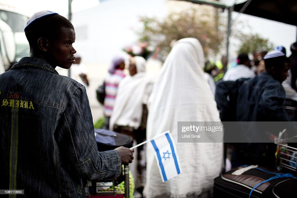 Jewish Ethiopian Immigrants Reunite With Families In Israel : News Photo