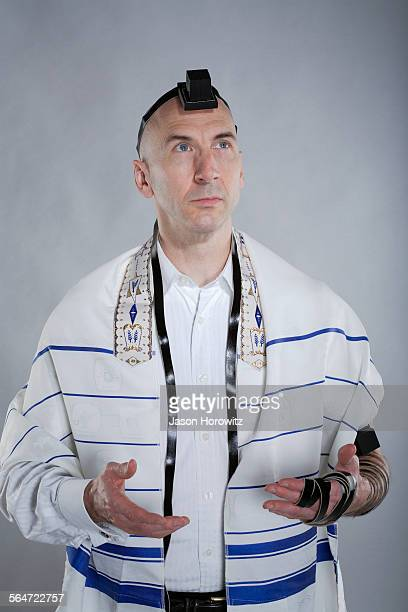 jewish man in religious garments - jewish prayer shawl stock pictures, royalty-free photos & images