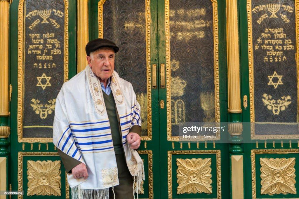Jewish man in Roben Bensadoun Synagogue : Stock Photo