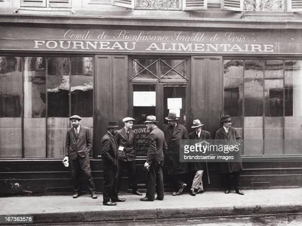 Jewish quarter in Paris Kosher restaurant for poor people Comite de Bienfaisance Israelite de Paris Photograph About 1930 Pariser Judenviertel...