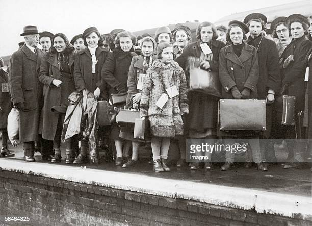 Jewish Refugee Childs arriving in England The most children deriving originally from Vienna England Photography Around 1938 [Juedische...
