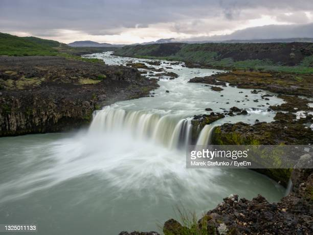 þjófafoss waterfall in iceland - marek stefunko stock pictures, royalty-free photos & images