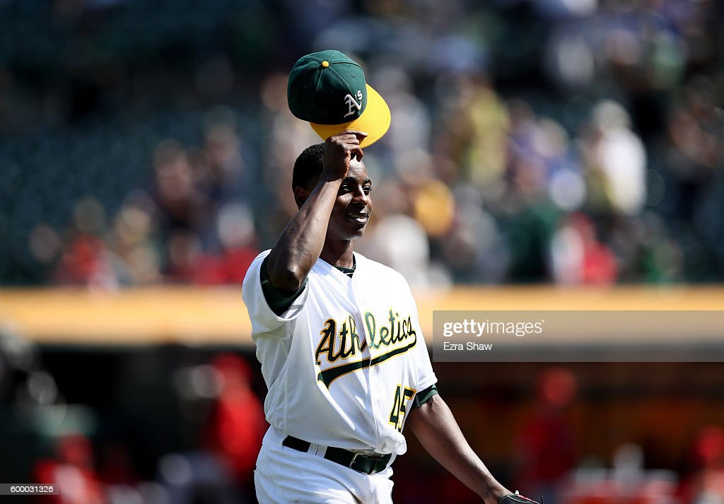 Los Angeles Angels of Anaheim v Oakland Athletics : ニュース写真