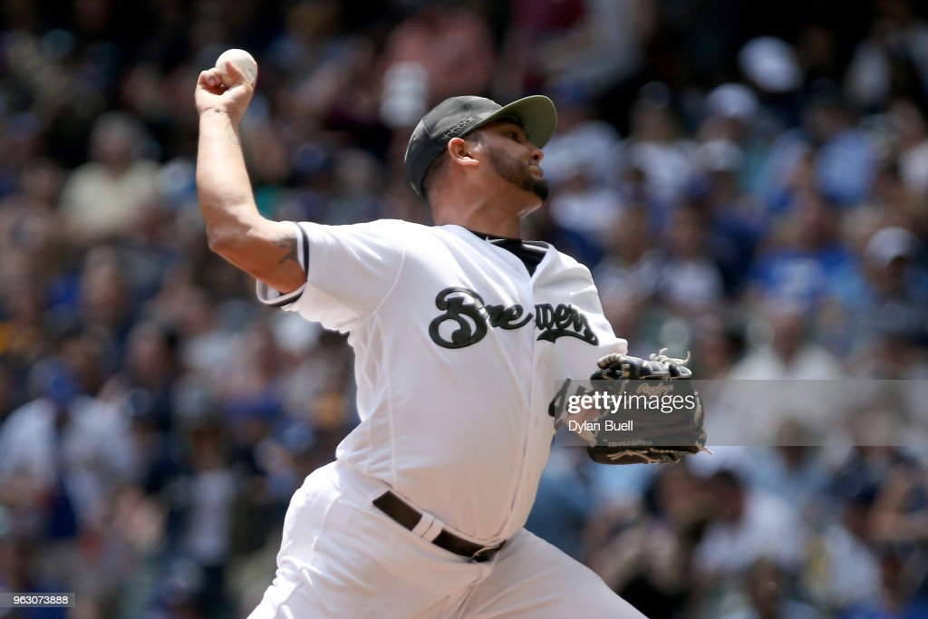 Jhoulys Chacin #45 of the Milwaukee Brewers pitches in the first inning against the New York Mets at Miller Park on May 27, 2018 in Milwaukee, Wisconsin.
