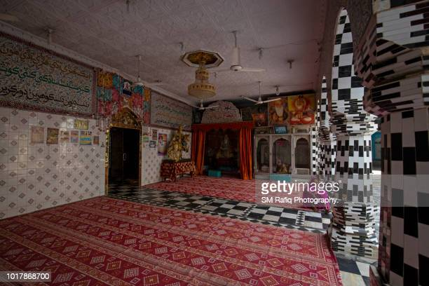 jhulay lal or zinda pir of sukkur - {{asset.href}} stock pictures, royalty-free photos & images