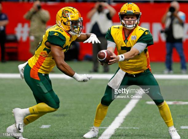 Jhurell Pressley of the Arizona Hotshot takes the handoff from John Wolford during an Alliance of American Football game against the San Antonio...