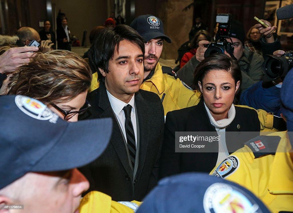 Jian Ghomeshi Leaving Courthouse : News Photo