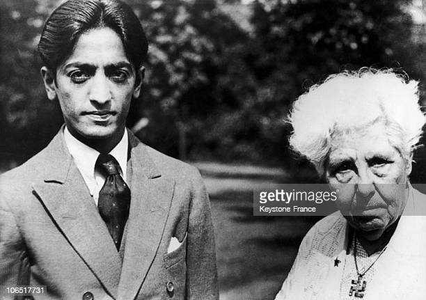 Jiddu Krishnamurti And Annie Besant In 1930