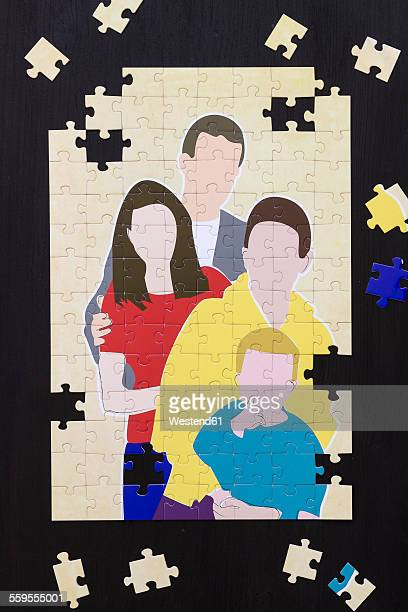 Jigsaw puzzle with image of stepfamily
