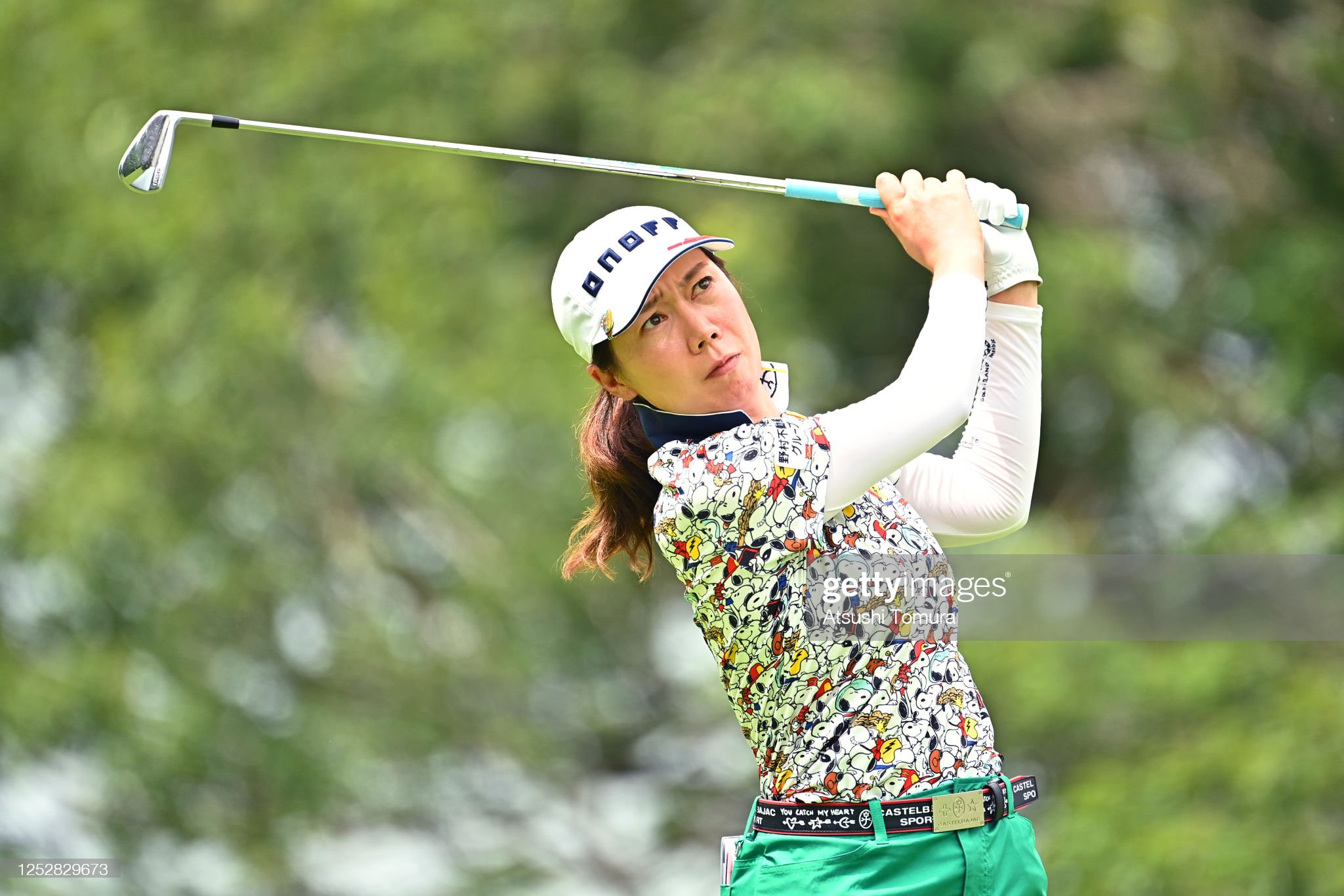 https://media.gettyimages.com/photos/jihee-lee-of-south-korea-hits-her-tee-shot-on-the-15th-hole-during-picture-id1252829673?s=2048x2048