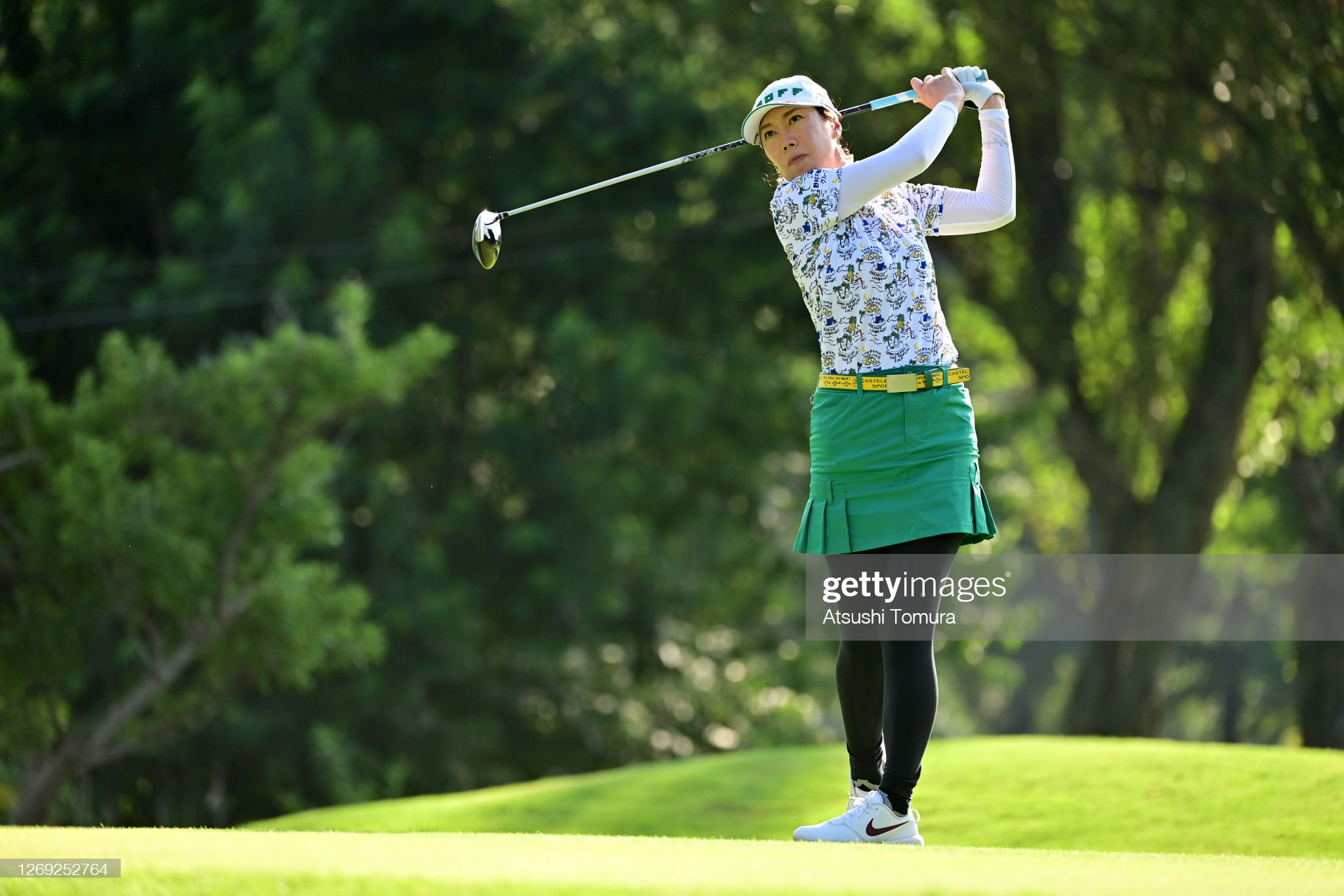 https://media.gettyimages.com/photos/jihee-lee-of-south-korea-hits-her-tee-shot-on-the-18th-hole-during-picture-id1269252764?s=2048x2048