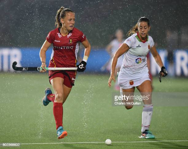 Jill Boon of Belgium and Maria Lopez of Spain during the FINTRO Women's Hockey World League SemiFinal Pool B game between Belgium and Spain on June...