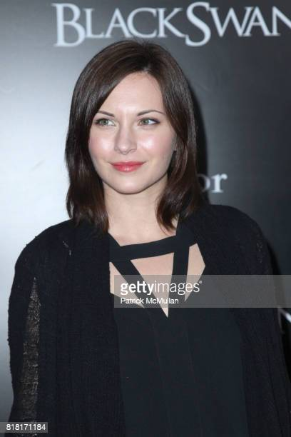 Jill Flint attends FOX SEARCHLIGHT PICTURES Presents the New York Premiere of BLACK SWAN at The Ziegfeld Theatre on November 30 2010 in New York City