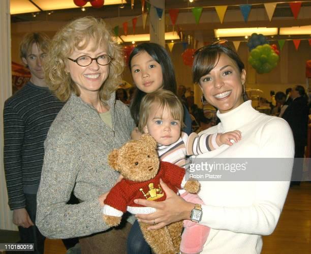 Jill Larson & daughter Annie Ming & Eva La Rue CAllahan & daughter Kaya