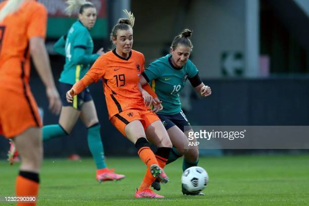 Jill Roord of Holland, Ella Mastrantonio of Australia during the international women's friendly match between the Netherlands and Australia at the...