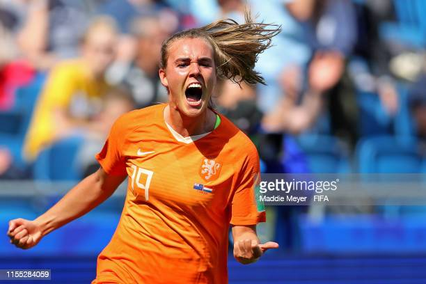 Jill Roord of the Netherlands celebrates after scoring a goal against the New Zealand during the 2019 FIFA Women's World Cup France group E match...