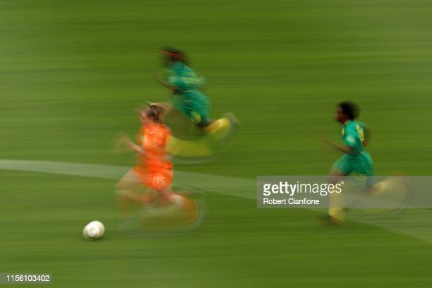 Jill Roord of the Netherlands runs with the ball during the 2019 FIFA Women's World Cup France group E match between Netherlands and Cameroon at...