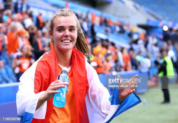 Jill Roord of the Netherlands shows appreciation to the fans after the 2019 FIFA Women's World Cup France group E match between New Zealand and...