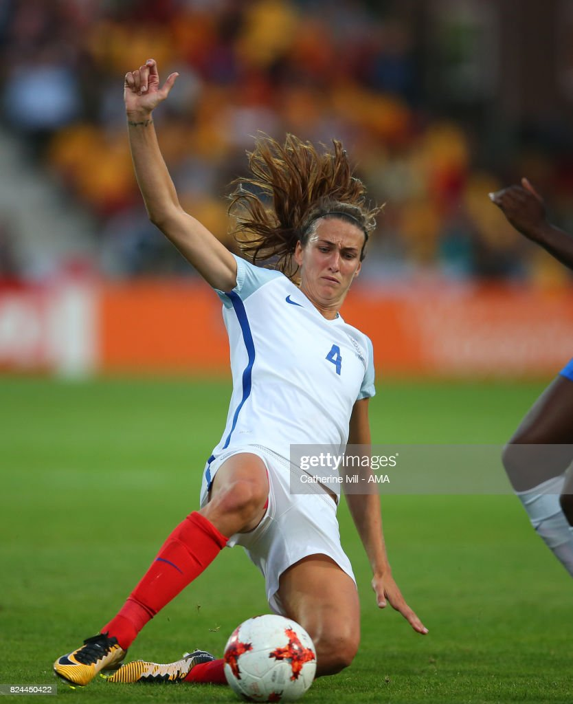Jill Scott of England Women during the UEFA Women's Euro 2017 match between England and France at Stadion De Adelaarshorst on July 30, 2017 in Deventer, Netherlands.
