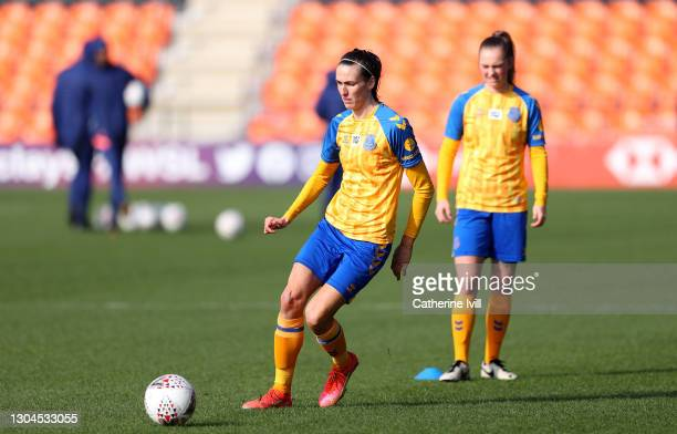 Jill Scott of Everton warms up prior to the Barclays FA Women's Super League match between Tottenham Hotspur Women and Everton Women at The Hive on...