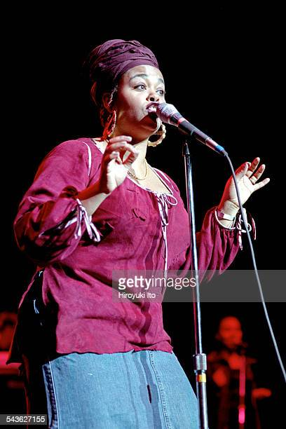 Jill Scott performing at the Hammerstein Ballroom on October 29, 2000.