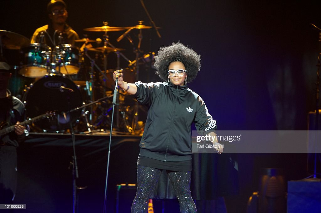 Jill Scott performs at the Staples Center on June 5, 2010 in Los Angeles, California.