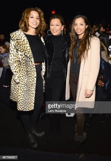 Jillian Hervey Vanessa Williams and Melanie Hervey attend Carmen Marc Valvo fashion show during MercedesBenz Fashion Week Fall 2014 at The Salon at...