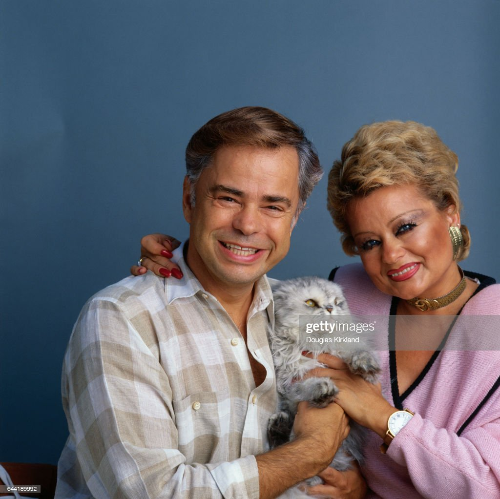 Jim and Tammy Bakker with Their Cat : News Photo