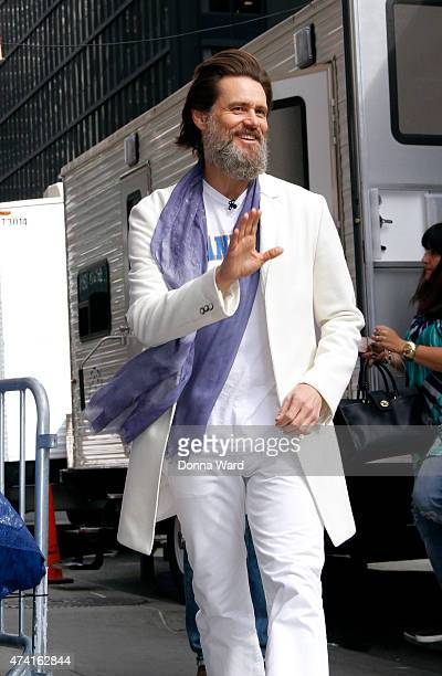 """Jim Carrey arrives for the final episode of """"The Late Show with David Letterman"""" at the Ed Sullivan Theater on May 20, 2015 in New York City."""