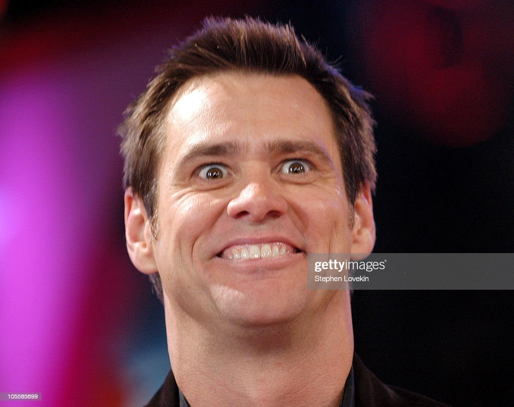 "Jim Carrey Visits MTV's ""TRL"" - December 13, 2004"