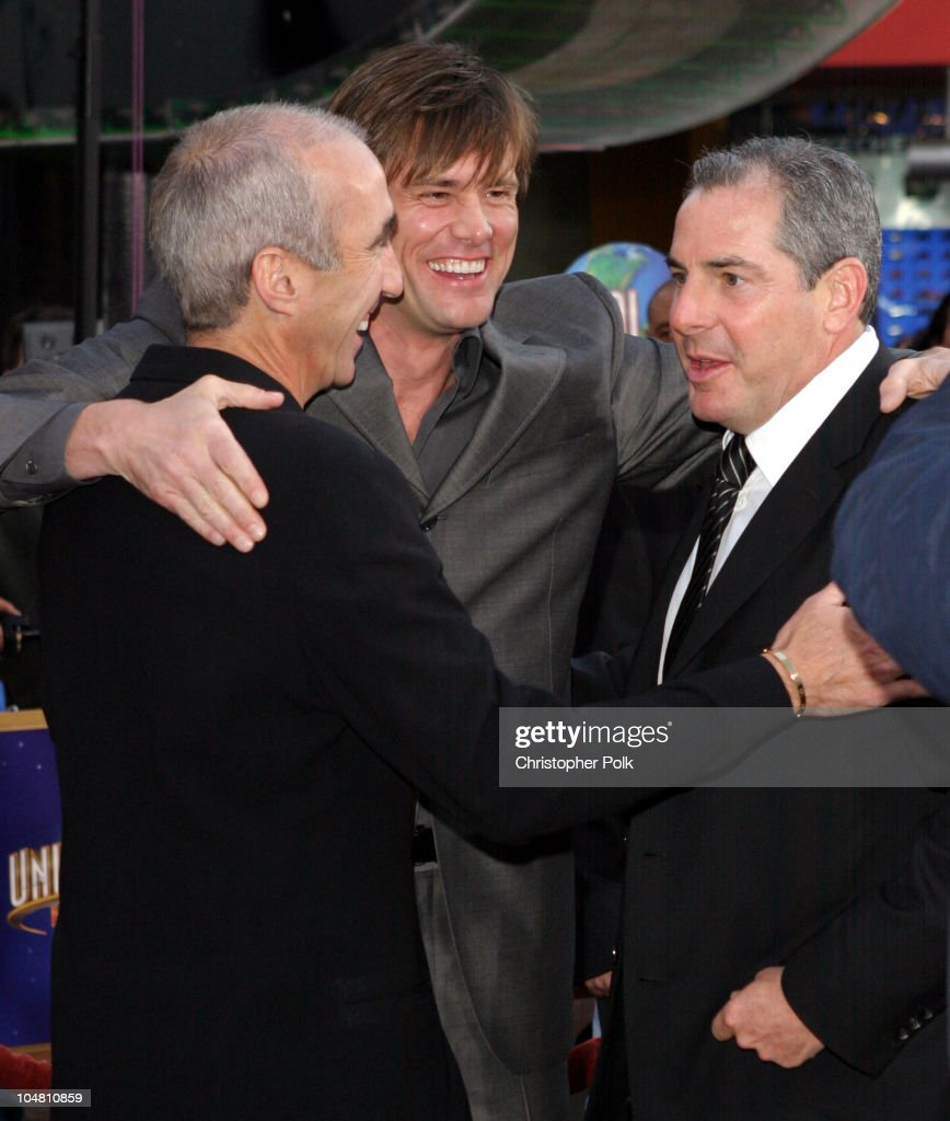 """World Premiere of """"Bruce Almighty"""" : News Photo"""