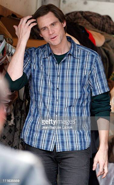 Jim Carrey on location for 'Yes Man' on September 27 2008 in Los Angeles California