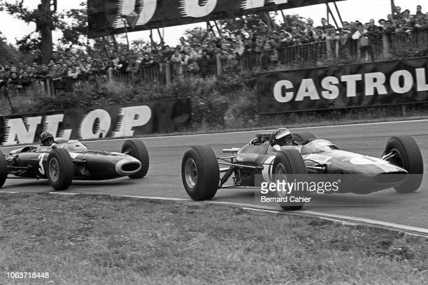 Jim Clark, Graham Hill, Lotus-Climax 25, BRM P261, Grand Prix of Great Britain, Brands Hatch, 11 July 1964. Jim Clark and Graham Hill in Druids...