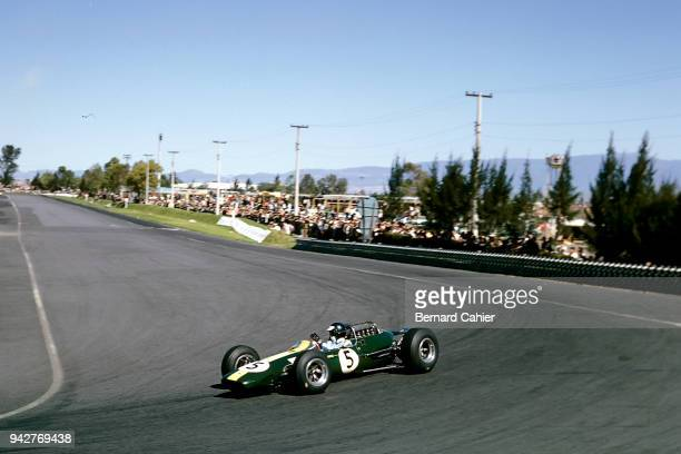 Jim Clark LotusClimax 33 Grand Prix of Mexico Autodromo Hermanos Rodriguez Magdalena Mixhuca 24 October 1965 Jim Clark took pole position in the 1965...