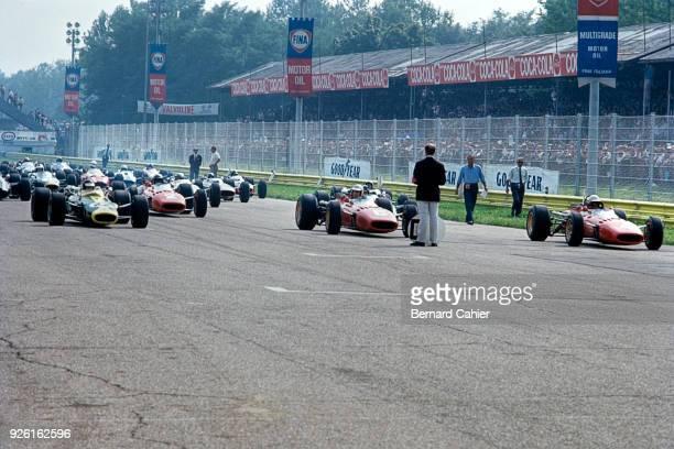 Jim Clark, Ludovico Scarfiotti, Mike Parkes, Lotus-BRM 43, Ferrari 312, Grand Prix of Italy, Autodromo Nazionale Monza, 04 September 1966.