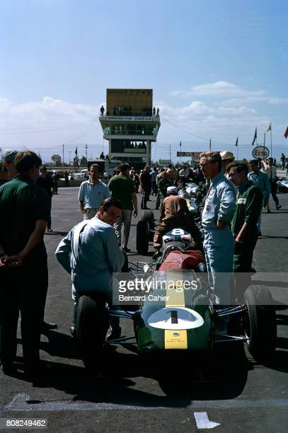 Jim Clark Mike Spence Lotus 25 Coventry Climax Grand Prix of Mexico Autodromo Hermanos Rodriguez 25 October 1964
