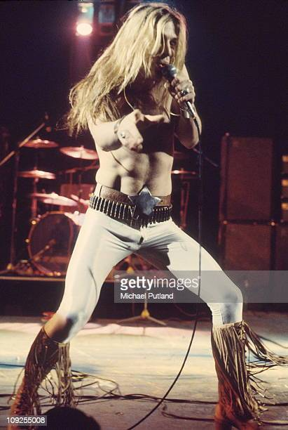 Jim 'Dandy' Mangrum of Black Oak Arkansas performs on stage London 1974